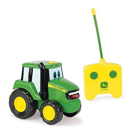 TOMY John Deere Remote Control Johnny Tractor (John Deere Remote Control Tractor)