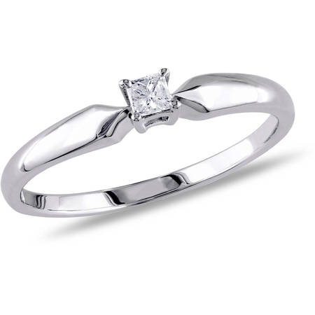 1/10 Carat T.W. Princess-Cut Diamond Sterling Silver Solitaire