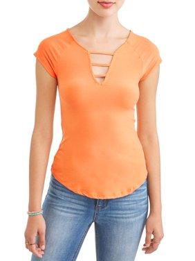 Juniors' Printed Peached Lattice V-Neck Short Sleeve T-Shirt