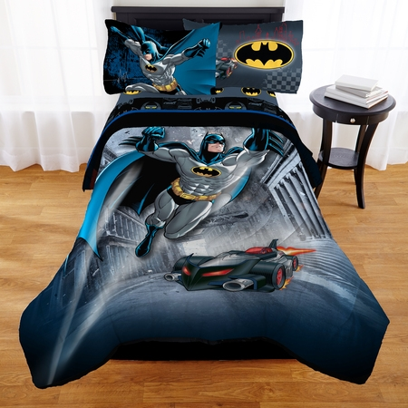Warner Brothers Batman Guardian Speed Bed in a Bag Bedding Set ()
