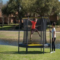 JumpKing 7.5-Foot Trampoline, with Enclosure, Black/Yellow
