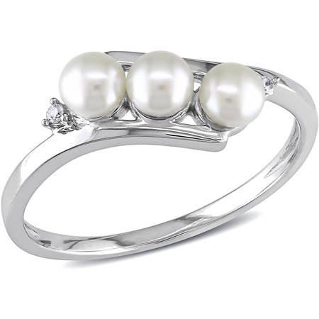 3.5-4mm White Cultured Freshwater Pearl and Diamond-Accent 10kt White Gold Bypass (Brass Pearl Ring)