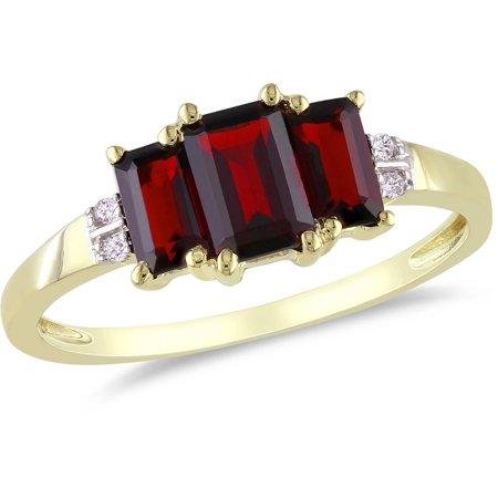 1-5/8 Carat T.G.W. Garnet and Diamond-Accent 10kt Yellow Gold Three-Stone Ring 9k Yellow Gold Garnet Ring