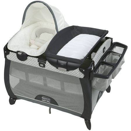 Graco Pack 'n Play Quick Connect Portable Napper DLX Playard with Bassinet,