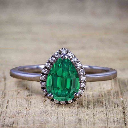 Black And Gold Wedding (Affordable 2 Carat Pear cut Emerald and Diamond Antique Wedding Ring Set in Black)