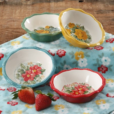 - The Pioneer Woman Vintage Floral Mini Pie Plate Set, Set of 4