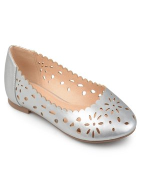 Women's Faux Leather Wide Width Scalloped Laser-cut Round Toe Flats
