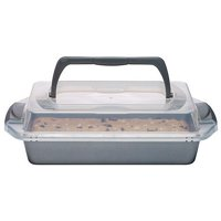 Wilton Bake It Better Oblong Brownie Pan with Lid, 9 x 13-Inch - Baking Pan with Carry Handle
