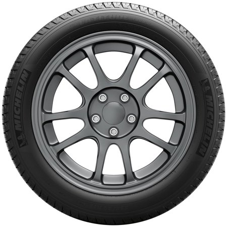 Michelin Latitude Tour HP High Performance Tire 245/60R18 105V ()