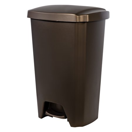 Hefty 13-Gal Step-On Trash Can, Multiple Colors (Halloween Trailer Trash)