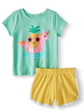 Graphic T-Shirt & Solid Dolphin Shorts, 2pc Outfit Set (Toddler Girls)