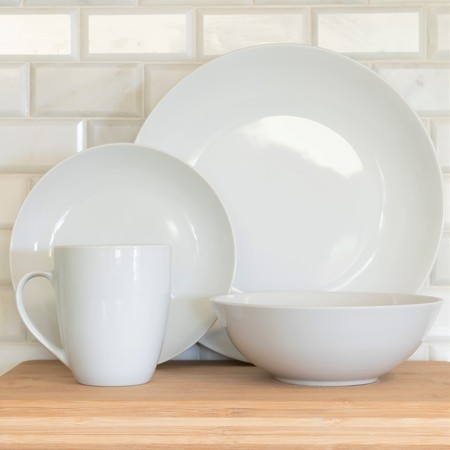 10 Strawberry Street Simply White Coupe 16-Piece Dinnerware