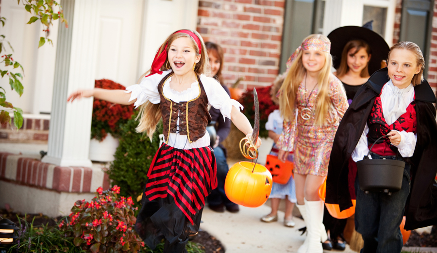 Christmas Halloween Costume Ideas.Easy Clever Family Halloween Costume Ideas Walmart Com