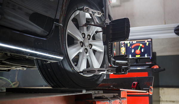 How to Tell If Your Car Needs Wheel Alignment - Walmart com