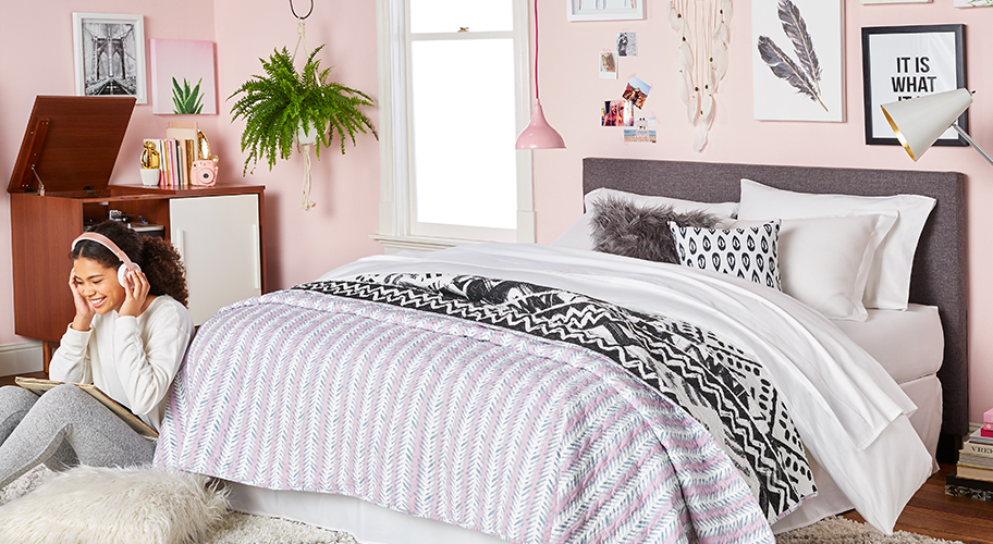 Teen girl bedroom furniture Teens Rooms Rosy Retreat However Choosy Your Teen May Be Theyll Love Walmart Teens Room Every Day Low Prices Walmartcom