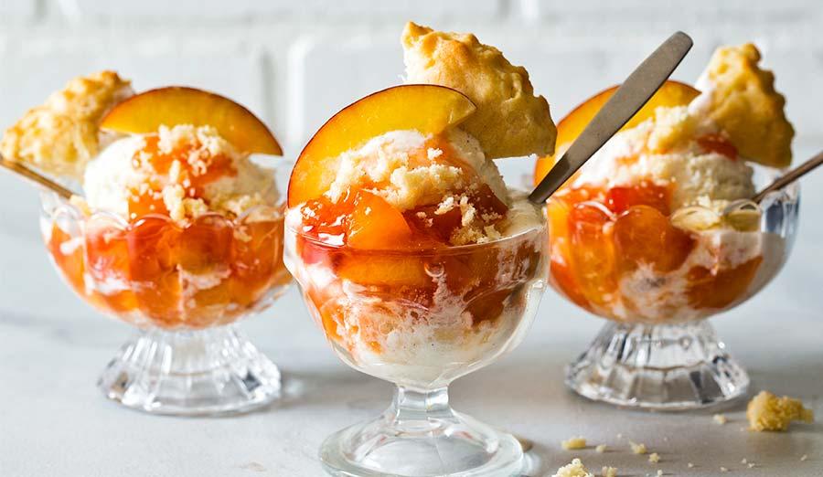 peach shortcake sundae