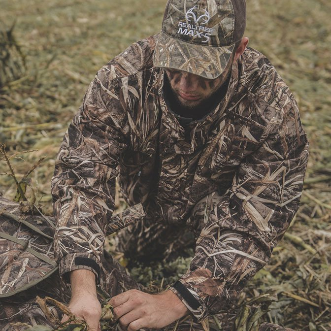 Be one with nature in Realtree.